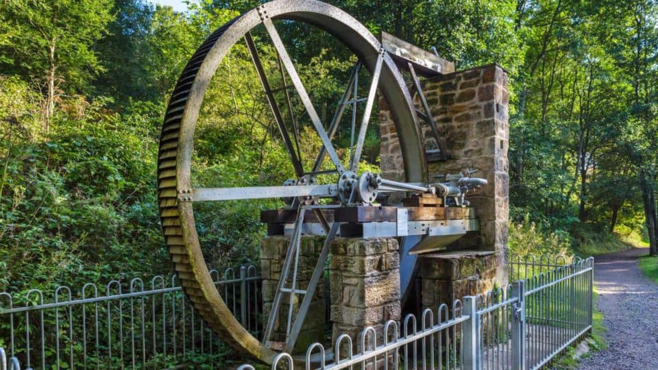 1878 Cragside Hydroelectric Power Wheel